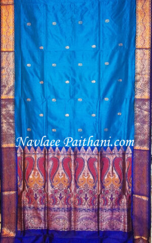 The royal blue Color with dark perple Contrast Boarder in kalanjanli silk Saree.