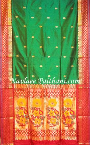 The Green with marun contrast boarder in Kalanjali Silk saree.