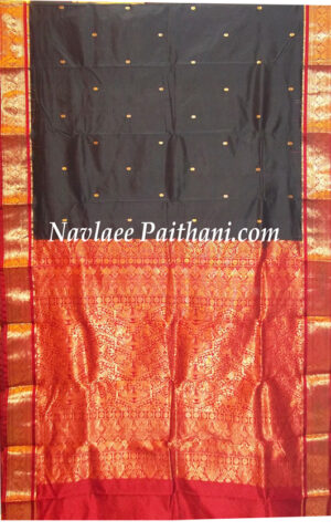 The Black color with Contrast Maroon Boarder in kanjivaram Silk Saree.